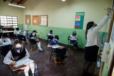 """Clases perdidas por """"huelga"""" docente: MEC aún no define si se extenderá el calendario educativo"""