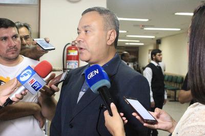 Concejal liberal electo para Asunción, Humberto Blasco, devuelve bonos del PLRA por valor de G 120 millones