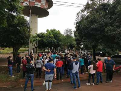 Moradores del Área 6 en huelga ante falta de agua potable