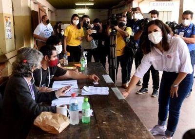 """Elecciones 2023: """"La unidad tiene que darse en un sentido programático para que no sea simplemente ganar a la ANR"""", afirma Johanna Ortega"""