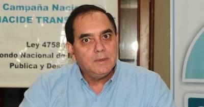 """La Nación / """"Titular del MEC está diciendo medias verdades"""""""