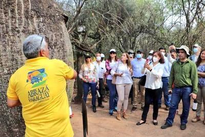 Comitiva diplomática recorrió sititos turísticos del Chaco