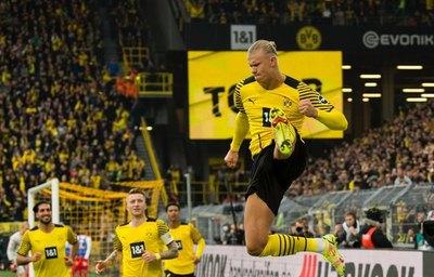 Borussia Dortmund gana al Maguncia y es líder provisional de la Bundesliga
