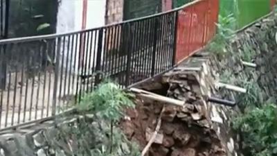 Vecinos de Barrio Obrero temen derrumbe de un muro