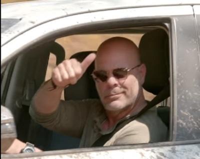 """Los mejores memes sobre la """"presencia de Bruce Willis"""" en Paraguay"""
