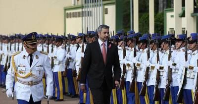 La Nación / Presidente aplica cambios en las FFAA