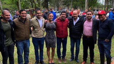 Velázquez y legisladores retoman la campaña y miran figura para la vice