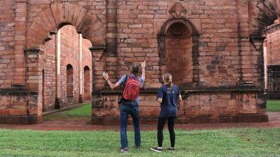 Patrimonios históricos, castillos y cavernas para visitar en el país