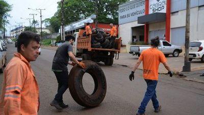 Buscan limpiar CDE de neumáticos  tirados en calles