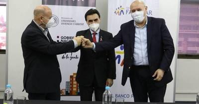La Nación / MUVH y Banco Familiar firmaron un convenio