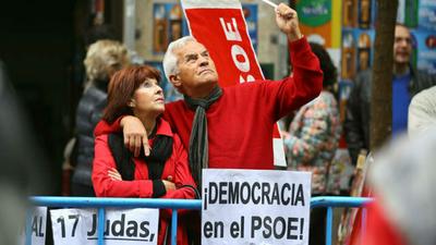 Los socialistas españoles reivindican la socialdemocracia ante la crisis