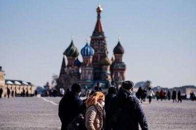 Rusia marca récord de casos de coronavirus por cuarto día consecutivo