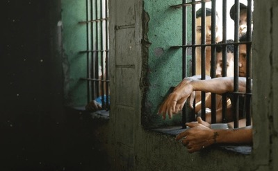 Prisioneros de Nuestra Realidad