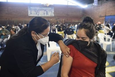 Más de 36.000 trabajadores solicitaron permiso para vacunación contra el COVID-19