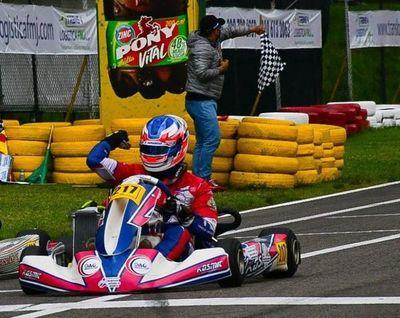 Histórico: ¡Ale Samaniego es campeón Sudaméricano de Karting!