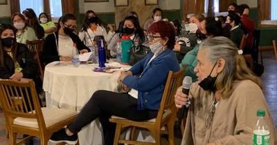 La Nación / Trabajadoras domésticas exigen cumplimiento de la ley al Ministerio de Trabajo