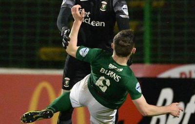 Arquero golpeó a su compañero tras recibir un gol