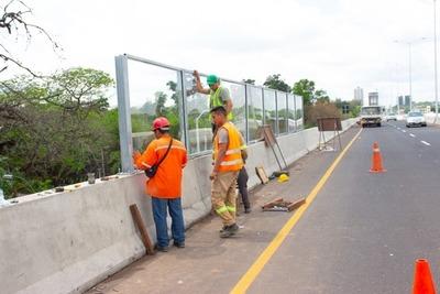 MOPC instala paneles acústicos en el Corredor Vial Botánico