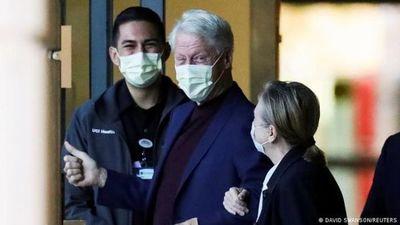 Expresidente estadounidense Bill Clinton sale del hospital tras cinco días internado