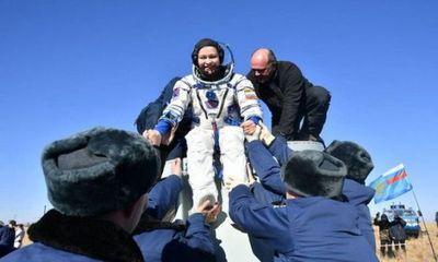 Tripulación rusa regresa a la tierra tras rodar película en el espacio