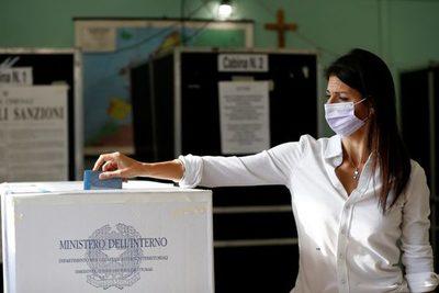 Italianos eligen en segunda vuelta alcaldes de Roma y decenas de ciudades