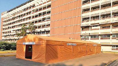 Hospital Central reubicará carpa de albergue para familiares Covid