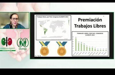 Galardonan a médicos paraguayos por trabajos científicos presentados sobre trasplante renal infantil