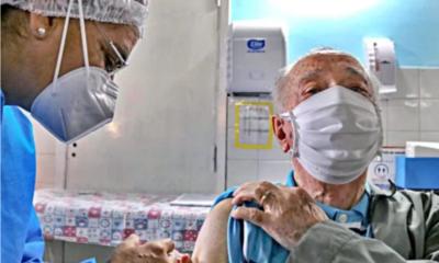 Salud inicia aplicación de tercera dosis anti-COVID a mayores de 50 y personal sanitario con seis meses de intervalo