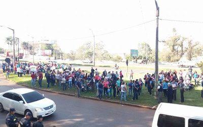 Docentes se declaran en cuarto intermedio y retomarán clases desde hoy tras huelga – Diario TNPRESS