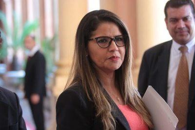 Ministra de Justicia insiste en una reforma ante la emergencia penitenciaria en todas las cárceles del país