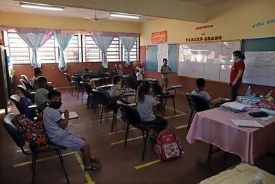 Más de 1.200.000 estudiantes retoman las clases en las modalidades presencial y a distancia