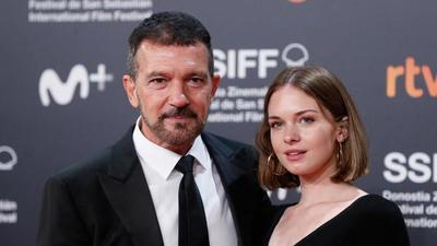 Antonio Banderas habla sobre la decisión de su hija de quitarse el apellido de su madre Melanie Griffith