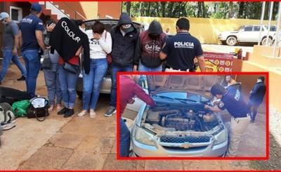 Cuatro brasileños y una paraguaya gestante detenidos con marihuana