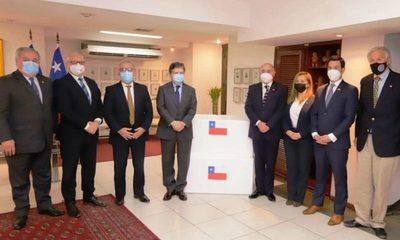 Paraguay recibe donación de 100.000 dosis de vacunas de Chile