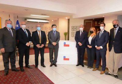 Paraguay recibió 100.000 vacunas del Gobierno de Chile