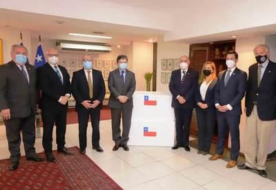 Unas 100.000 dosis de AstraZeneca fueron donadas por Chile a Paraguay