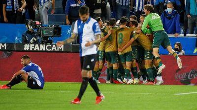 Betis rescata un empate en su visita al Alavés