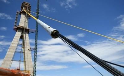 Prosigue instalación de cabos de atirantamiento en el segundo puente