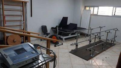 Delincuentes hurtan máquina de fisioterapia del IPS en Capiatá