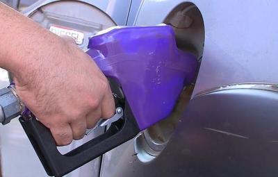 Noviembre arrancaría con otra suba del combustible, adelantan