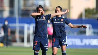 Rebeca Fernández anota dos goles en el clásico y la 'U' de Chile es finalista