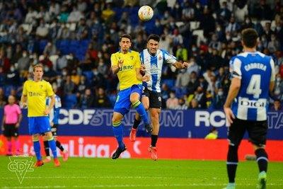 Espanyol vence al Cádiz, que tuvo como alternativa al paraguayo Arzamendia