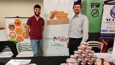 Un dulce galardón: Flor Dorada obtuvo el Premio Nacional Mipymes por su industria apícola