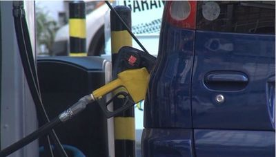 Por quinta vez en el año, precio del combustible subiría en noviembre