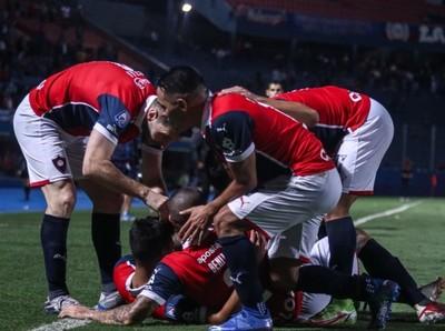 Cerro Porteño cumple de local y mantiene lucha por el título