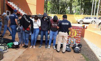 Cuatro brasileños y una adolescente paraguaya caen con carga de drogas – Diario TNPRESS