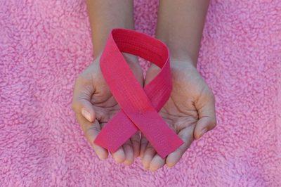 Octubre rosa: Con diagnóstico precoz, el cáncer de mama tiene 90% de probabilidad de cura