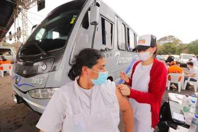 Destacan importante afluencia en los vacunatorios