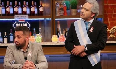 """El """"presidente de Argentina"""" visitó el bar y terminó llorando"""