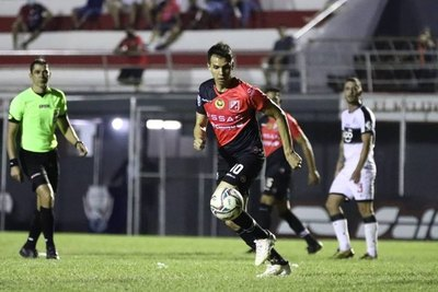 Zeballos: 'Me tragué el veneno de no jugar casi todo el Clausura'